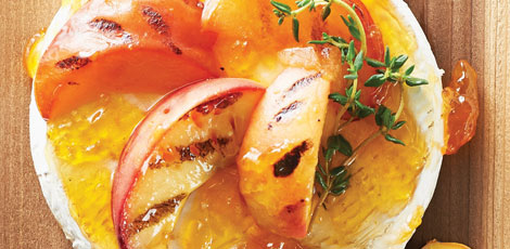 Brie with Peaches, Fresh Thyme and Garlic Toasts