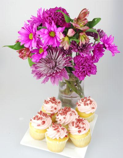 Raspberry Dream Cupcakes Bouquet