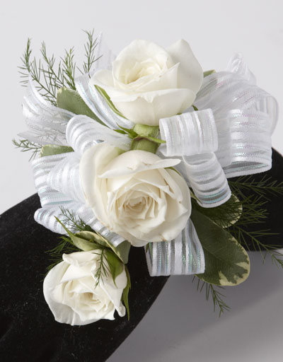 shop floral prom homecoming the 3 sweetheart rose wrist corsage. Black Bedroom Furniture Sets. Home Design Ideas